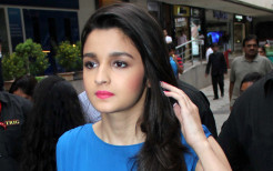 Popular Bollywood Actress Alia Bhatt in Red Lips and Blue Dress HD Wallpapers