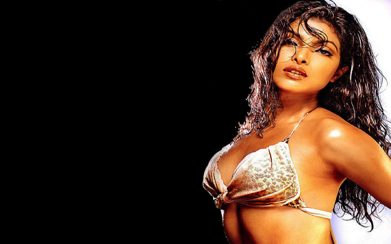 Sexy Priyanka Chopra photo